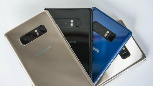 Galaxy Note 8 là smartphone cao cấp gây chú ý nhất trên kệ hàng chính hãng hiện giờ.