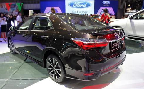Toyota Corolla Altis, 2017, chốt giá bán, Việt Nam, 702 triệu đồng