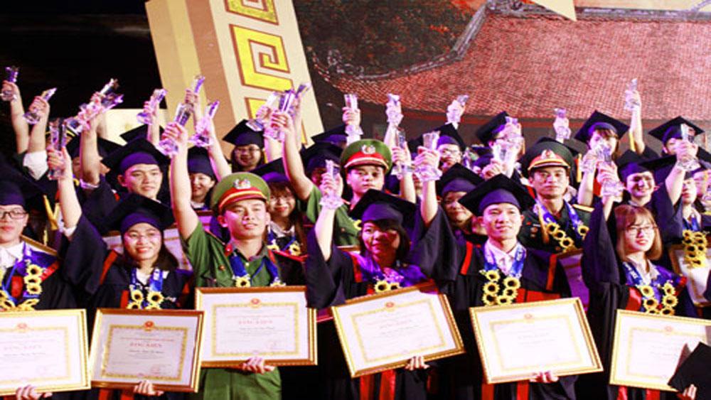 Hà Nội, tuyên dương, 84 thủ khoa xuất sắc, năm 2017