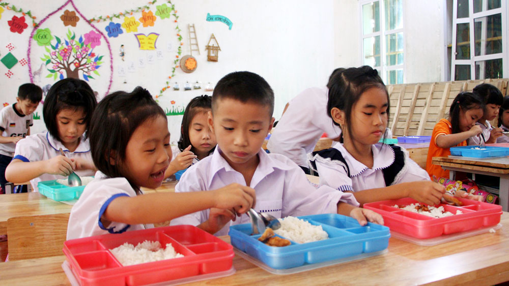 Con ăn bán trú: Mẹ tăng tiền vẫn lo | Bắc Giang