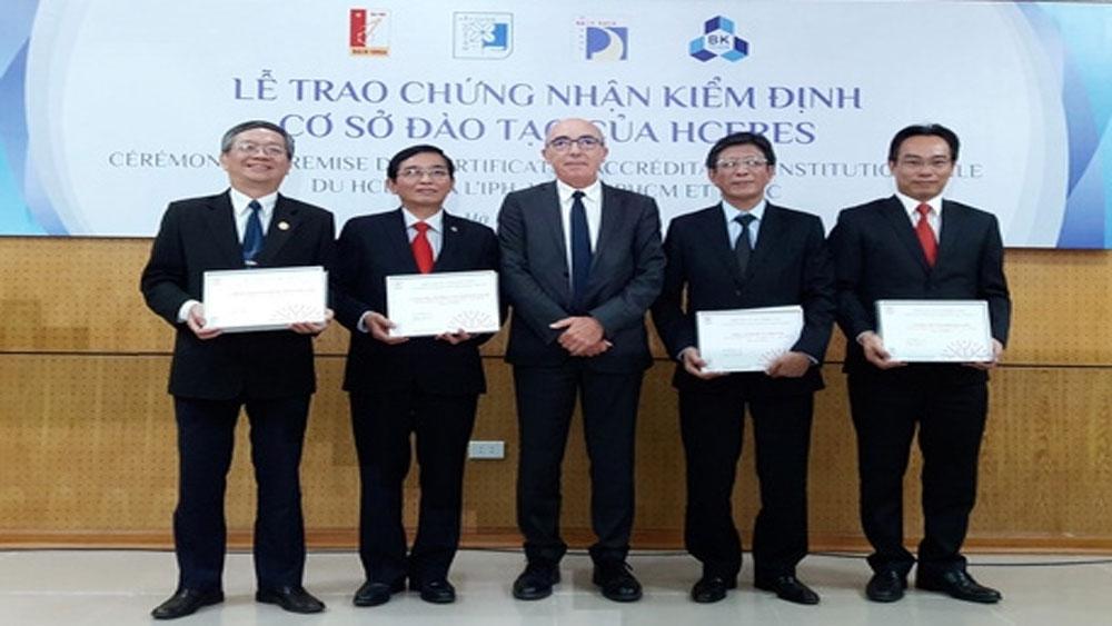 Bốn trường đại học Việt Nam, trao chứng nhận, kiểm định, quốc tế