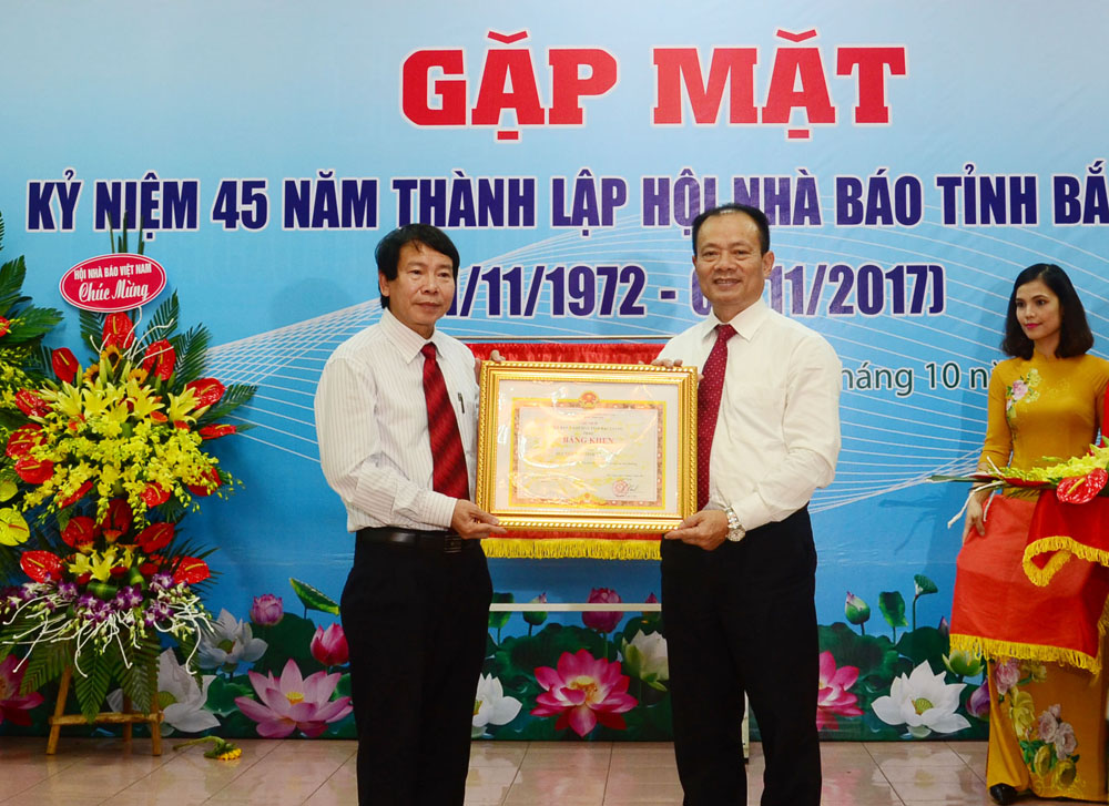 Kỷ niệm, 45 năm, Ngày thành lập, Hội Nhà báo, Bắc Giang